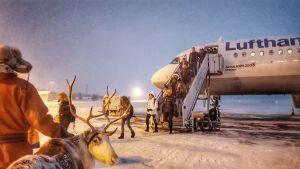 Lufthansan kone Kuusamon lentoasemalla 23.12.2017