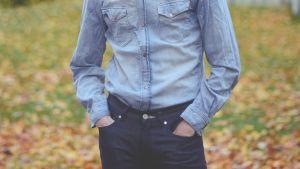 jeans: skjorta och byxor