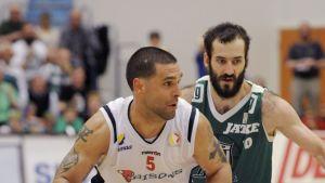 KTP:S Bojan Sarsevic (grönt) i finalen mot Bisons.