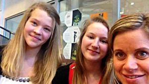 Saga Lindfors, Emma Forsblom och deras mentor Ann-Charlotte Åkerholm