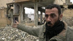 Raqqan kaupunki tuhoutui pommituksissa