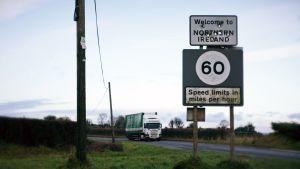 Ulkolinja: Irlannin rajalla