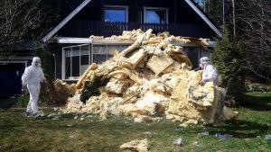 Hometalon kelvoton kuntotarkastus. Kuntotarkastetut talot voivat myöhemmin paljastua homepommeiksi. Kaunistellaanko ongelmia, että talot menisivät paremmin kaupaksi?