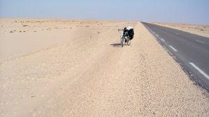 Matti Rämö: Rengasrikkoja Saharassa