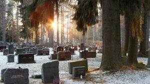 Kuoleminen muuttuu - sosiaalinen kuolema voi tapahtua jo ennen kuin elintoiminnot loppuvat