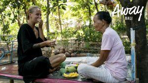 Tiiun päivä: Balilaisen poppanaisen hoivissa
