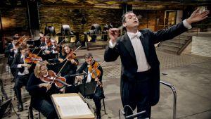 Brahmsia ja kameran lentoa