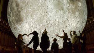 Prisma: Ihmeellinen kuu