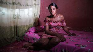 Ulkolinja: Naiskaupan ytimessä