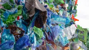 Prisma: Muovi - ihmeaineesta inhokiksi