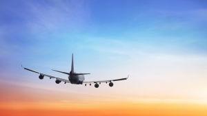 Lentokonetta lennetään mittareiden avulla, mutta miten laskeutuminen tapahtuu?