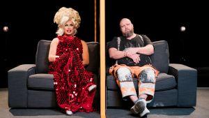 Olet osa jotain suurempaa: drag artisti Marko ja muurari Juha