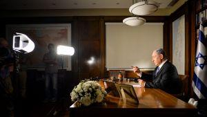 Dokumenttiprojekti: King Bibi (12)