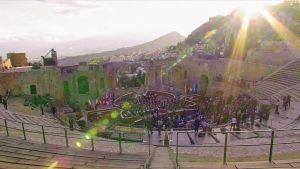 La Scalan filharmonikot esiintyvät