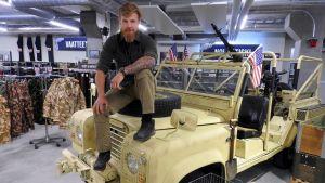 Konala – Autoliikkeitä ja armeijatavaraa, mutta ei asukastilaa
