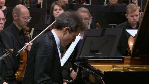 Solistina pianisti Jevgeni Sudbin