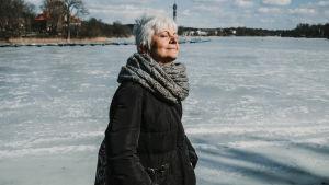 Yksin, mutta ei välttämättä yksinäinen. Miten voit valmentautua vanhuuteen?