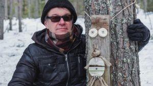 Pölkkypäät polun varrella Martinniemessä