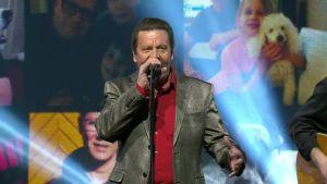Kaikki kotona live: Pate Mustajärvi - Ukkometso