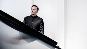 Stephen Hough ja Beethovenin pianokonsertot