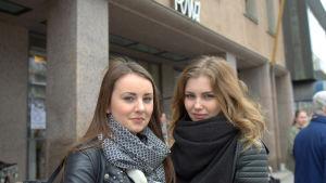 Hanna Jåfs och Michelle Sand studerar vid Vasa gymnasium.