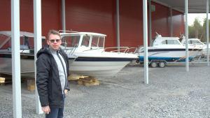 Mats Carlson på Hydrolink på Fjärdskär där man till hösten ska utöka med fler platser för båtförvaring.