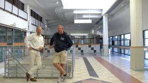 Peter Ståhlberg och Max Jansson i det som ska bli nygammal avgångshall.