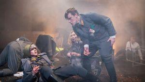 Scen ur Sara Enholm Hielms pjäs Vinterkriget