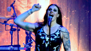 Nightwishin Floor Jansen esiintymässä Méxicossa