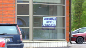 En tom affärslokal i centrum av Smedsby.