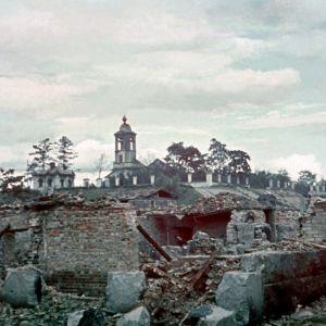 Takaisinvallattu Viipuri, taisteluissa tuhoutunutta kaupunkia mm. Pyhän Eliaan kirkko