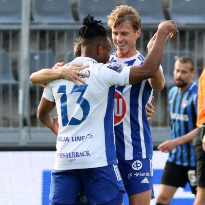 HJK firar mål mot FC Inter.