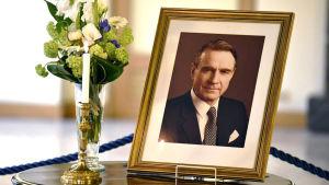 Presidentti Mauno Koivisto haudataan helatorstaina 25.5.2017 valtiollisin menoin.