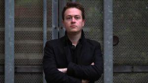 """Den schweizisk - skotska författaren och journalisten Johann Hari, som skrivit boken """"Lost Connections""""."""