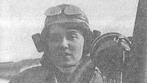 Melli Beese på en Rumpler-Taube 1911.