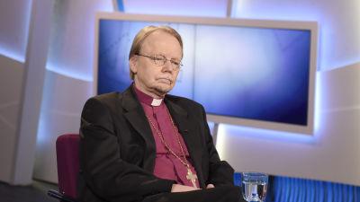 Exbiskop misstankt for overgrepp