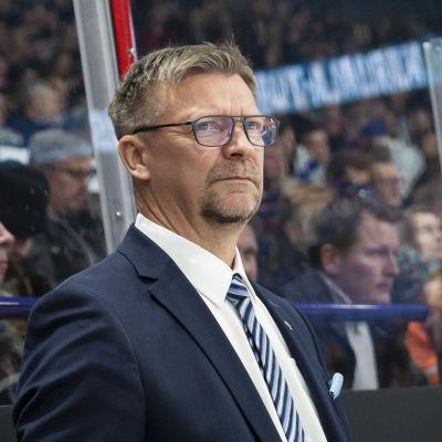 Jukka Jalonen i Lejonbåset.
