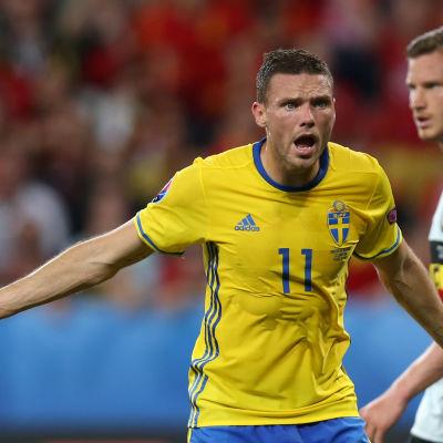 Marcus Berg är en svensk fotbollsspelare.