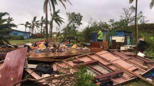 Förödelse efter stormens framfart på Fiji.