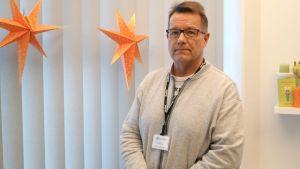 Ledande tandläkare Juhani Salparanta.