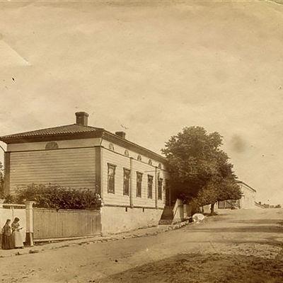 Vy från Rådhusgatan från ca 1900. Linden på Rådhusgatan