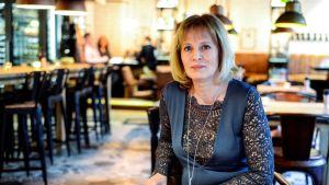 Mariette Lindstein har skrivit en thriller i tre delar utgående från sitt liv i scientologikyrkan.