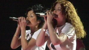 Venäläisduo t.A.T.u. edusti maataan vuoden 2003 Euroviisuissa ennakkosuosikin asemassa.