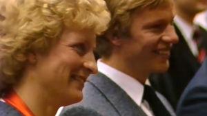 Marja-Liisa Hämäläinen ja Harri Kirvesniemi Marja-Liisan olympiakultamitalijuhlissa Simpeleellä 1984