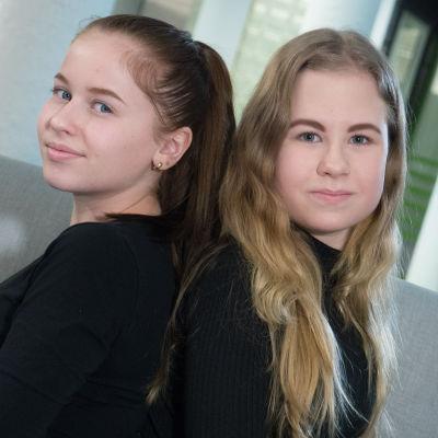 Uuden Päivän TETläiset Mari Mäkinen ja Jenna Karvonen