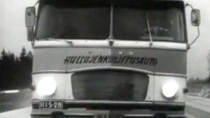 Seitsemän seinähullun veljeksen keikkabussi (1970).
