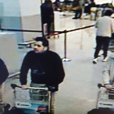 Misstänkta terrorister i Bryssel 22.3.2016.