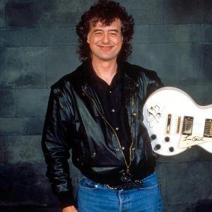 Jimmy Page med elgitarr.
