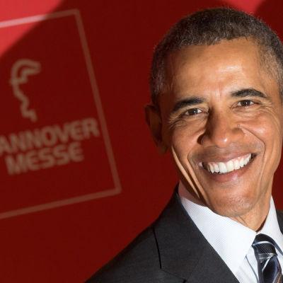 USA:s president Barack Obama väntas meddela om sitt beslut då han besäker mässan i Hannover på måndag