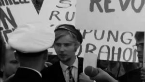 Erkki Tuomioja vastusti shaahin vierailua (1970).
